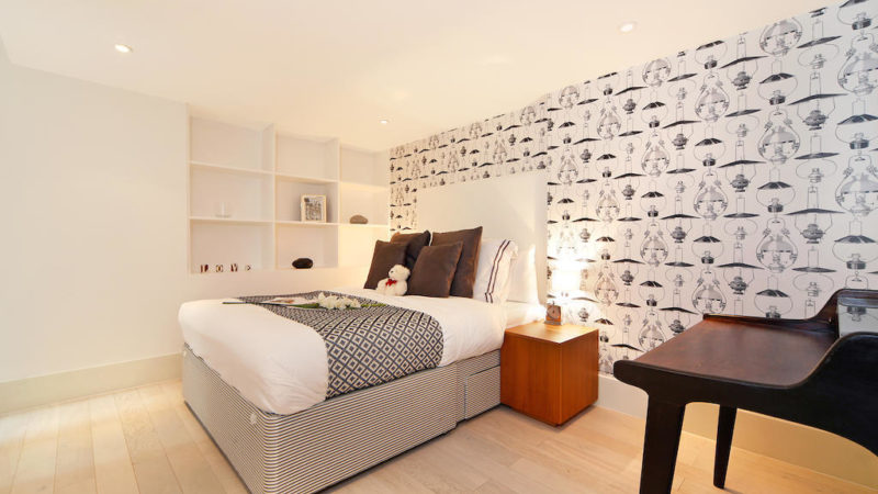2 bed flat to let, Charlotte Street - London Central Portfolio Limited