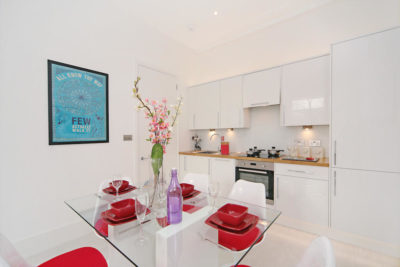 2 bed flat to let, Courtfield Gardens - London Central Portfolio Limited