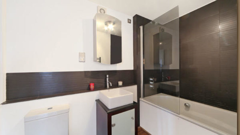 1 bed flat to let, King's Road - London Central Portfolio Limited